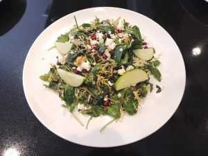 Spinach and pomegranate salad